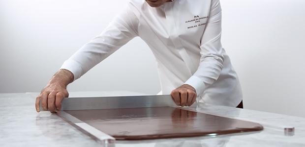 CHOCOLATE HAND MADE